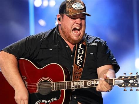 luke combs  unapologetic