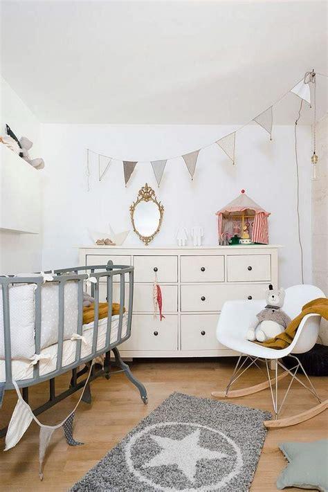 ag e chambre déco chambre bébé fille et garçon en style scandinave pour