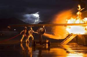 Coole Feuerwehr Hintergrundbilder : 37 extraordinary photos of the u s marine corps in action ~ Buech-reservation.com Haus und Dekorationen