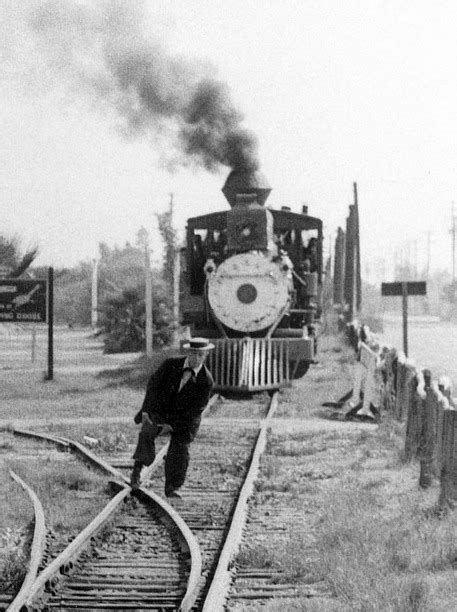 The trolley problem murder « Tricks of the Mind