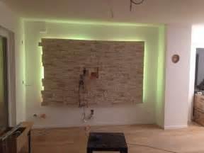 steinwand wohnzimmer wir leben noch trotz innenausbau abenteuer bau