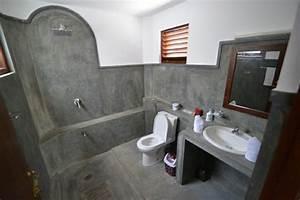 salle de bain en beton cire pour un amenagement tendance With beton cire mur salle de bain