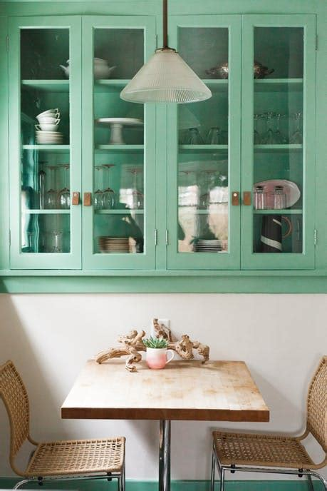 remodelaholic  unexpected ways  decorate  jade green