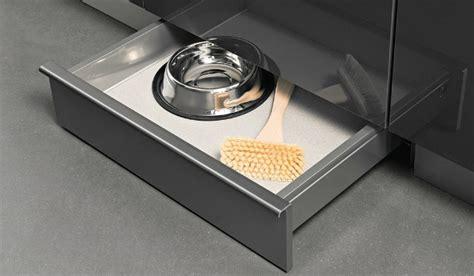 plinthe sous meuble cuisine 10 astuces pour gagner de l espace dans une cuisine