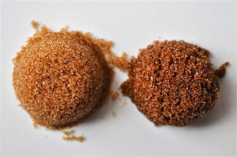 brown sugar what s the difference between light and brown sugar Light
