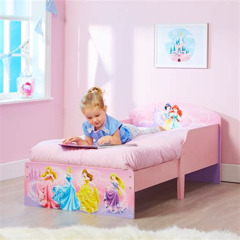 24747 when to put baby in toddler bed disney princess toddler bed bambino home