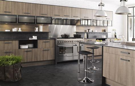 fa軋de cuisine ikea cuisine gris clair chene massif