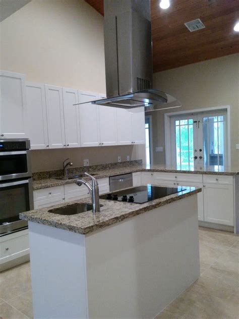 shaped kitchen layout  island miami general contractor