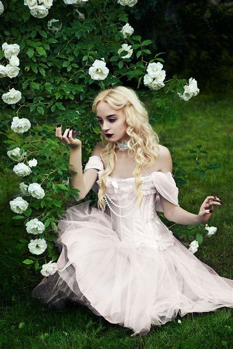 Alice In Wonderland Cosplay Of The White Queen Cosplay