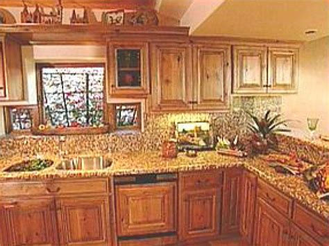 Natural Style Graces Southwest Kitchens