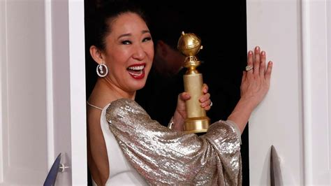 sandra oh history golden globes golden globes 2019 here s how sandra oh scripted history