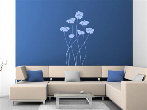 blaue wand wohnzimmer farbgestaltung arbpsychologie wie farben an der wand wirken