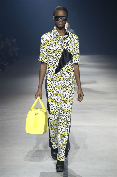 KENZO FALL WINTER 2015-16 WOMEN'S COLLECTION | The Skinny Beep