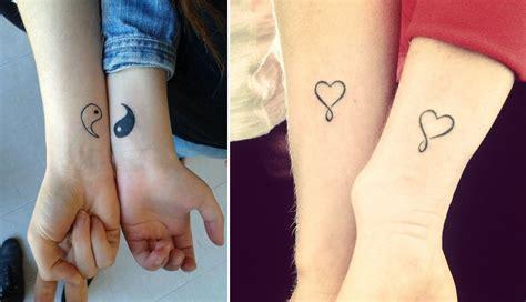 foto de 10 tatuaggi sull'amicizia per celebrarla con foto Bigodino
