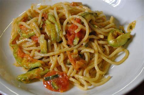 pasta con fiori di zucchine ricette le migliori 10 ricette con i fiori di zucca pourfemme