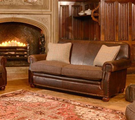 canape anglais tissus canapé anglais stornoway en cuir et tissus longfield 1880