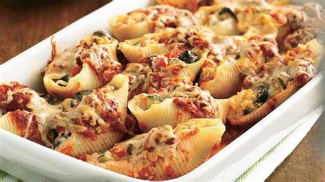 Makarona të mbushura me salçiçe Hako dhe perime - Pjata kryesore