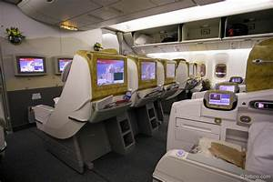 EMIRATES BUSINESS CLASS Boeing 777-300 - YouTube