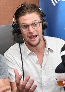 Zach Roerig in SiriusXM's Entertainment Weekly Radio ...