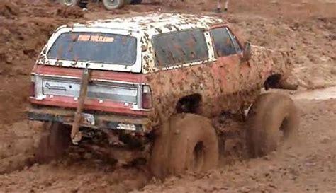 monster truck mud videos muddy mondays ramcharger monster truck blows motor