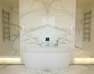 carrelage salle de bain marbre blanc en 24 belles images With salle de bain design avec vasque en marbre noir