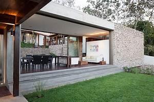 Indoor-Outdoor Home Design: Multi-Level Garden House in El
