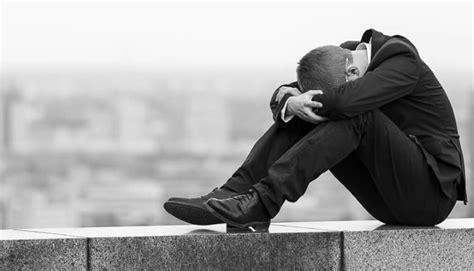Ao contrário, em vez de uma, haverá duas. Las muertes por suicidio aumentan un 3,1% en España | el taquígrafo