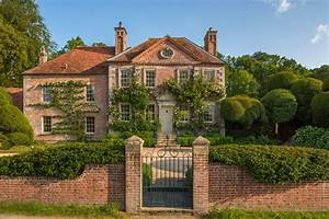 English, Manor, House, Once, Belonging, To, Famed, Photographer, Cecil, Beaton, Asks, U00a34, Million
