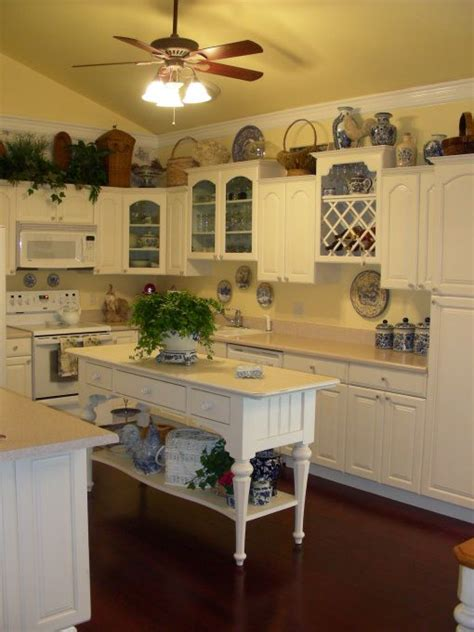 country kitchen color ideas picturesque country kitchen colors kitchen find