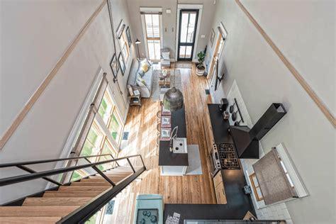 tiny house  barndominium   fixer upper home  hit  market southern