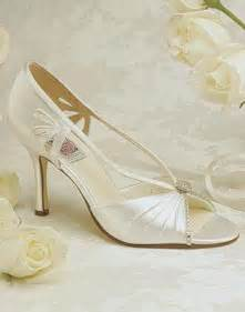 ivory bridesmaid shoes the acceptable ivory wedding shoes