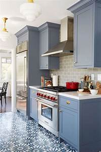 Benjamin moore wolf gray a blue grey painted kitchen for Kitchen cabinet trends 2018 combined with navy blue and white wall art