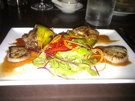 colonie cuisine entree of fig and scallops delicious picture of lime