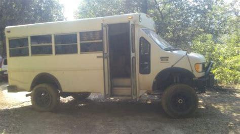 92 Ford E-350 Cutaway Short Bus 4x4 Van