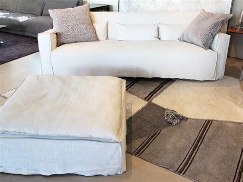 iori arredamenti divano in tessuto more gervasoni