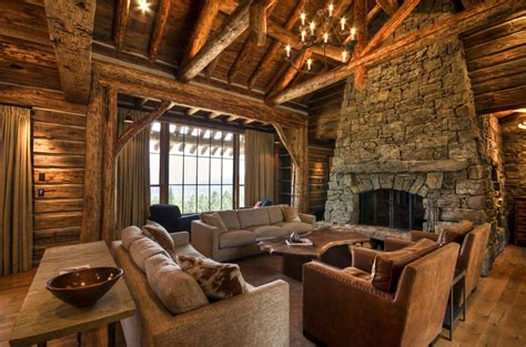 Rustic : Mountain Home Surrounded By Forest Offers Rustic Living In