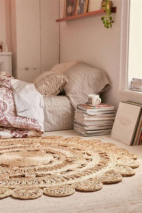 small bedroom rugs best 25 round rugs ideas on pinterest small round rugs 13266 | f73de66c416cb66f7433c89c82702061 big homes bedroom inspo