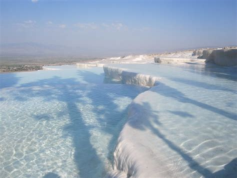 20 Of The Most Amazing Swimming Pools In The World