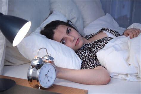 ᐅ Schlafstörungen & Schlafprobleme Anzeichen, Ursachen