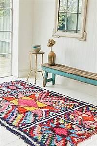 le tapis berbere sinvite dans la deco floriane lemarie With tapis berbere avec canapé bambou occasion