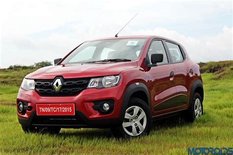 kwid renault renault kwid turns up the heat laps 25 000 bookings