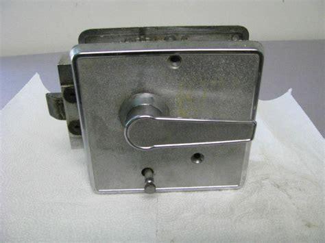 cer screen door latch cer door latch photos wall and door tinfishclematis