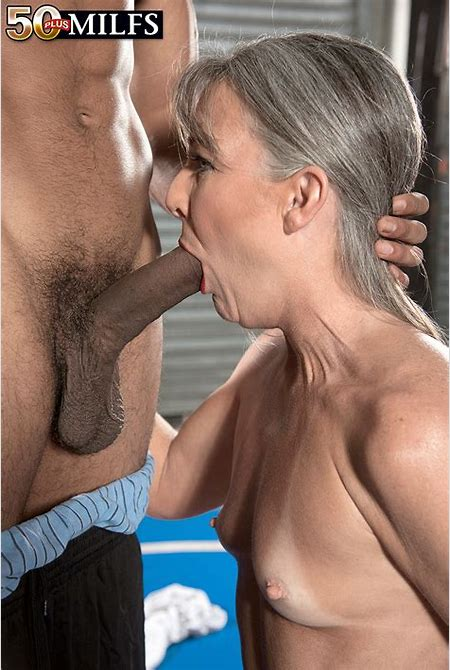 Stunning granny is making that black dud to give her that cock and penetrate her tight cunt.