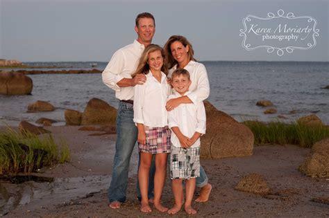 Family Reunion Portrait at the beach in Mattapoisett ...