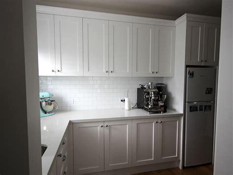 kitchen hampton style  highland kitchens