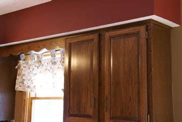 Kitchen Soffit Painting Ideas by Kitchen Soffit Decorating Kitchen Design Photos