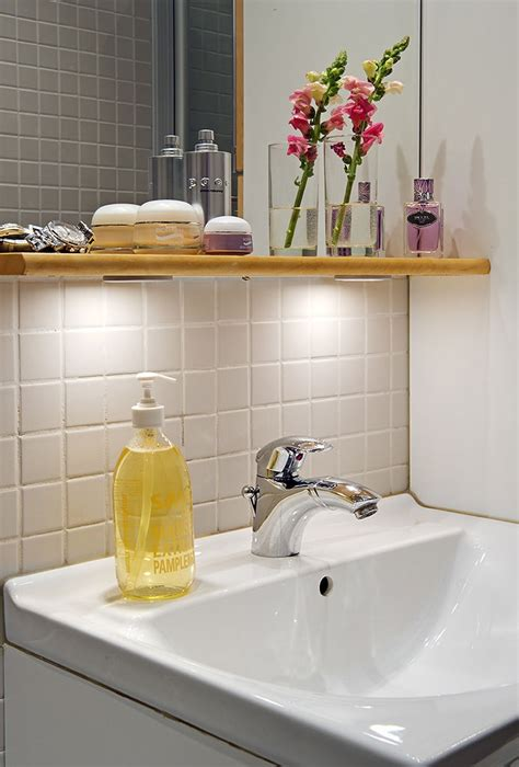 23 Cool Bathroom Shelves Under Mirror Eyagcicom
