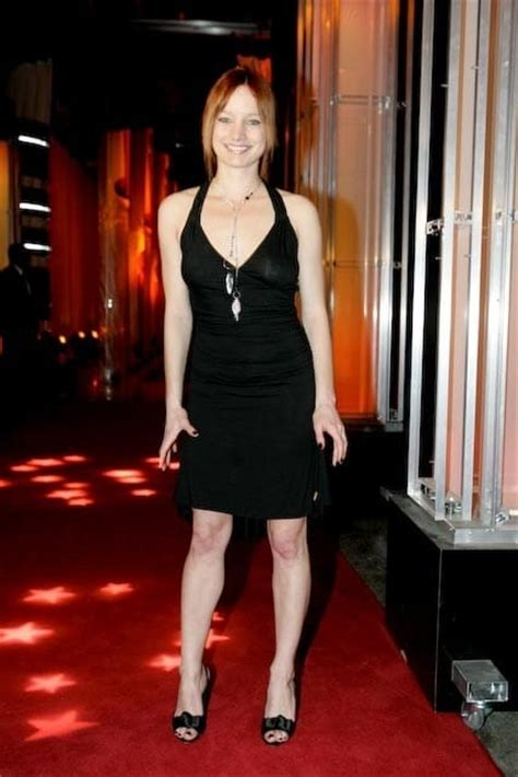 laurence leboeuf sexy laurence leboeuf s legs hot celebrity sexy legs images