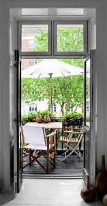 Kleiner Sonnenschirm Für Balkon : kleinen balkon gestalten laden sie den sommer zu sich ein ~ Bigdaddyawards.com Haus und Dekorationen