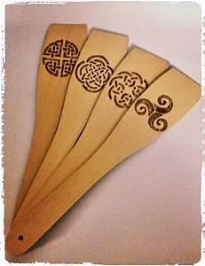 Pyrogravure Sur Bois Professionnel : spatule et cuilleres de cuisine pyrograv es de motifs celtiques bois wood pyrogravure ~ Nature-et-papiers.com Idées de Décoration